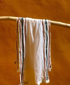 Scarf white with stripes, one size